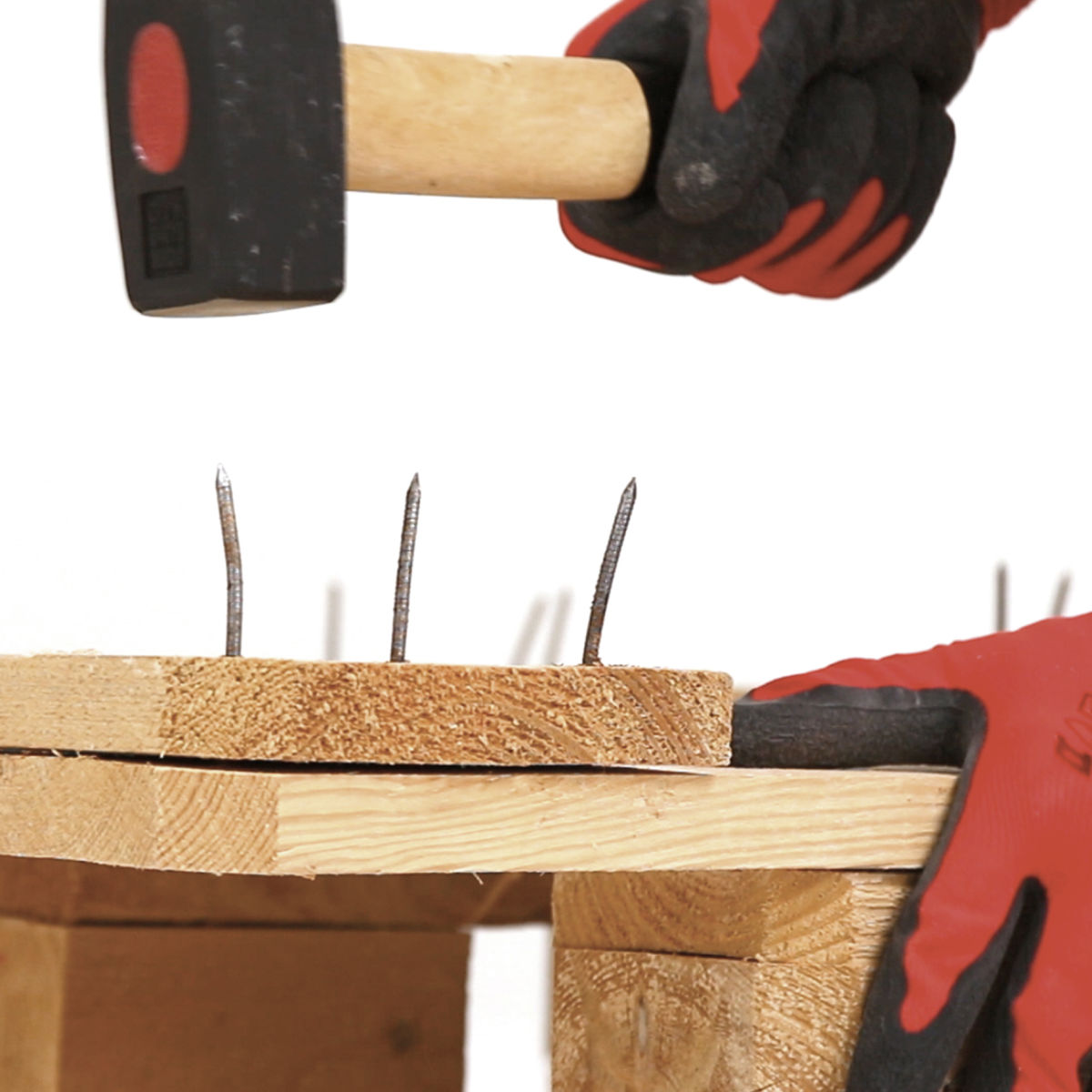 Panca fatta con bancali bi18 regardsdefemmes - Costruire un divano in legno ...