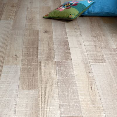 Pavimento in pvc leroy merlin lame pvc adhsive taupe for Laminato leroy merlin