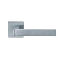 Maniglia per porta con rosetta e bocchetta GM08 in zama