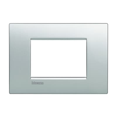 Placca BTICINO Living Light Air 3 moduli tech
