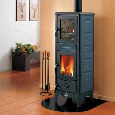 Stufa a legna con forno Milena 6.2 kW blu
