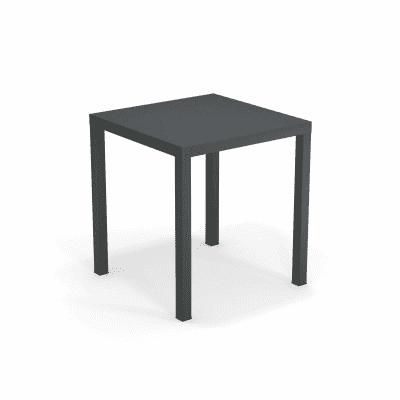 Emu Tavoli Da Giardino.Tavolo Da Giardino Quadrato Festa Oasi By Emu Con Piano In Acciaio